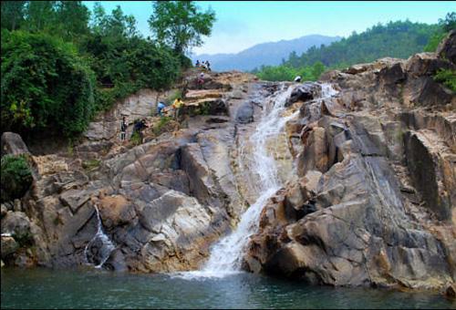 Khu di tích suối Mỡ và đền suối Mỡ
