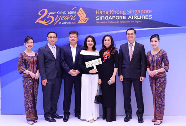TOP PASSENGER AGENT IN FLIGHT YEAR 2016/2017 – SINGAPORE AIRLINES